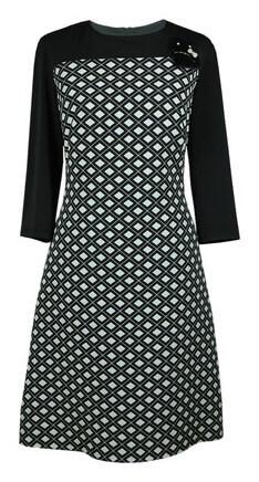 Biurowa moda, czyli jak wybrać sukienkę do pracy