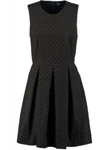 Czarna sukienka w stylu lat 60