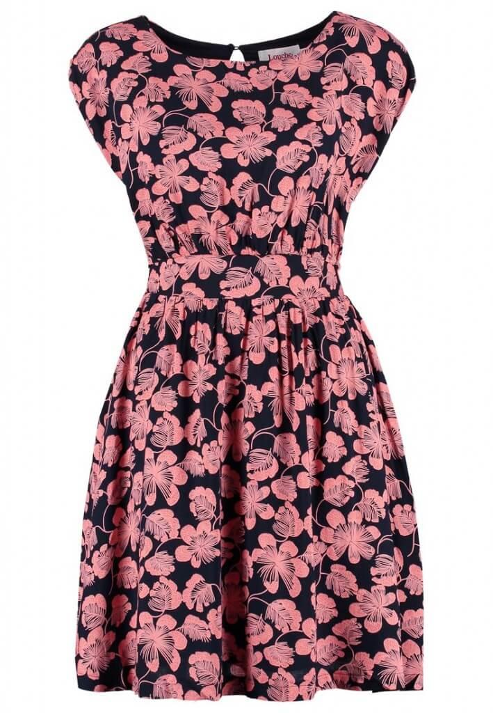 Sukienka w stylu lat 60-tych w kwiaty