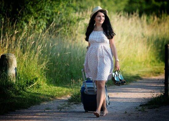 dziewczyna w letniej sukience