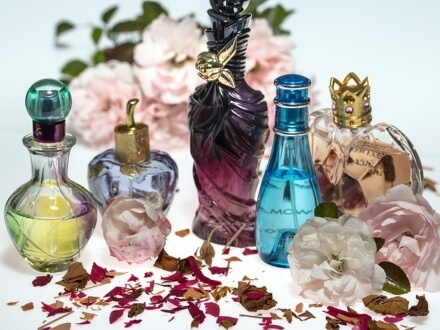 5 ponadczasowych perfum dla kobiet