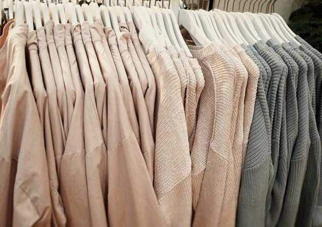 Sukienka dzianinowa… praktyczna ale stylowa